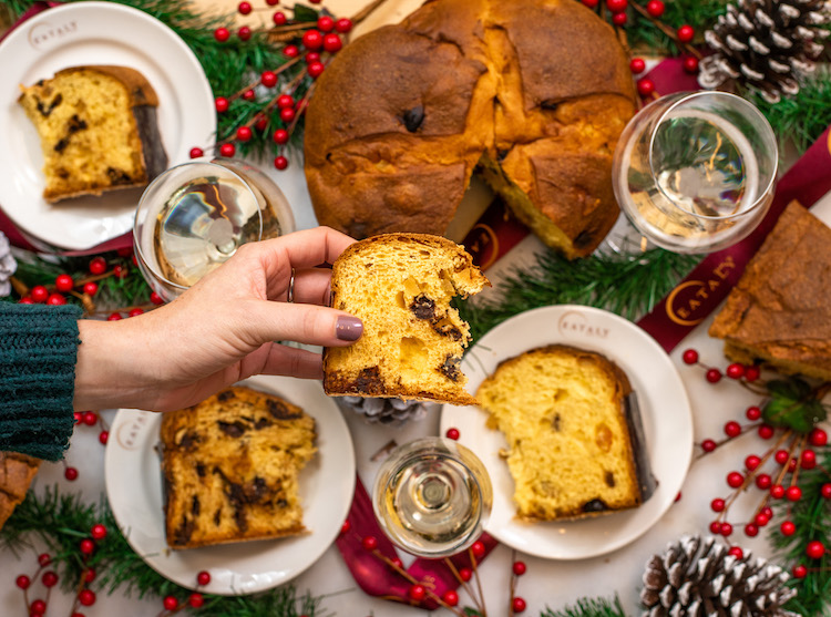 panettone holiday table
